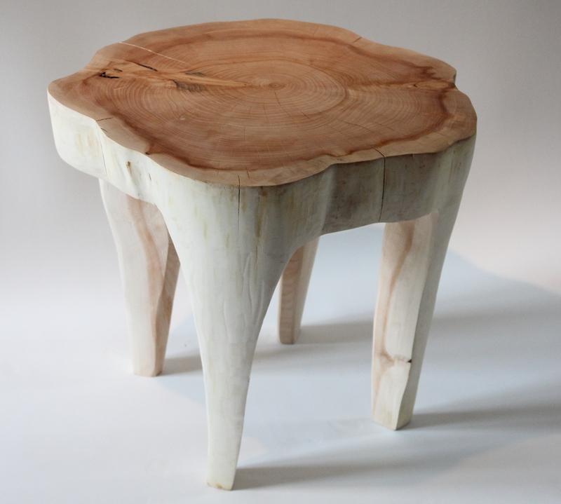 tabouret tronc tabouret fabriqu partir dun tronc de cdre naturel curvy cedar pacific compagnie. Black Bedroom Furniture Sets. Home Design Ideas